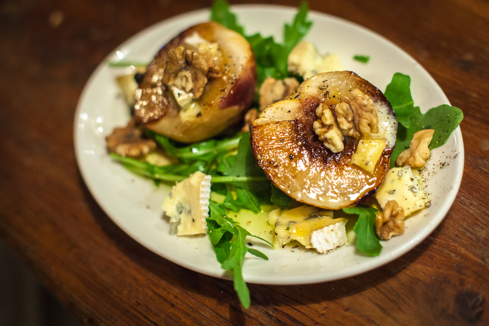 Roasted peaches with combozola cheese and walnuts, Wineberg, Tel
